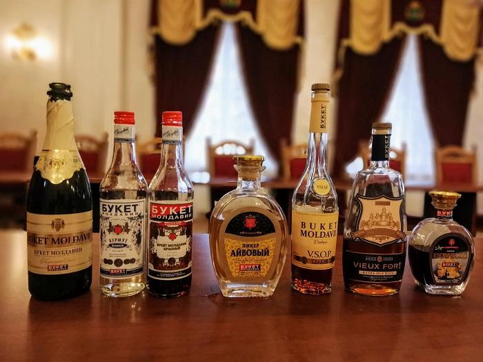 Degustare de vin si lichior la Fabrica Buket Moldavii